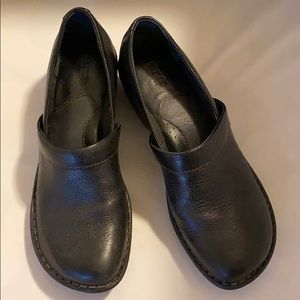 Born Toby Duo mule type clog size 7.5 blk leather
